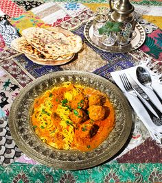 Naan, Indian Food Recipes, Ethnic Recipes, Albondigas, Paella, Curry, Food And Drink, Vietnam, Drinks