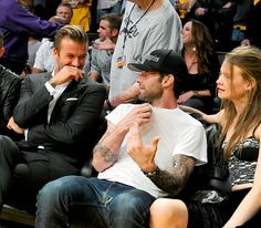David Beckham chatted with Adam Levine and girlfriend Behati Prinsloo in the stands at the Staple Center Tues. Oct. 30 -- where the L.A. Lakers played the Dallas Mavericks.
