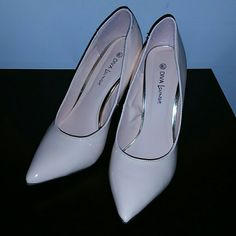 Diva Lounge Pumps Peach Pink Pumps Cute and Classy. Selling because I couldn't wear them they are a half size too big. 3 in heel Diva lounge Shoes Heels
