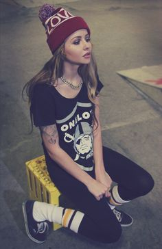 themisspolly:    t-shirt and hat from http://www.1loveapparel.com/