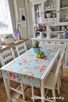 shabby chic kitchen décor must have anything to do with old-style