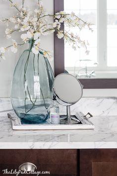 bathroom decor (lilypad cottage) - love this blue vase!