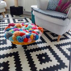 Pom pom foot stool @mindful_stitch instagram