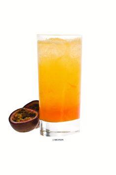Try the delicious non-alcoholic summer drinks: 3 cl Monin Passion Pure 4 cl Orange Juice 1 cl fresh lime juice 5 cl Tonic ice cubes Shake cubes, Monin passion fruit puree, orange juice and lime juice in a shaker. Pour it then into a highball glass.  Prøv den lækre alkoholfrie sommerdrinks: 3 cl Monin Passionsfrugtpure 4 cl Appelsinjuice 1 cl Frisk limejuice 5 cl Tonic Isterninger  Shake alle ingredienser og hæld det derefter over i et highballglas.