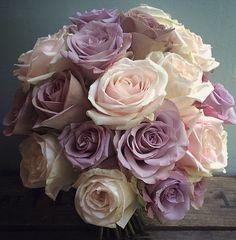 Purple Wedding Bouquets, Beautiful Flowers, Bride, Nature, Plants, Wedding Ideas, Flower Arrangements, Wedding Bride, Naturaleza