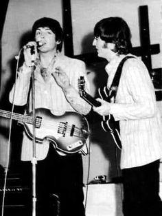 The Beatles Live, Lennon And Mccartney, Beatles Photos, Chuck Berry, Vintage Classics, The Fab Four, John Paul, Ringo Starr, Kawaii