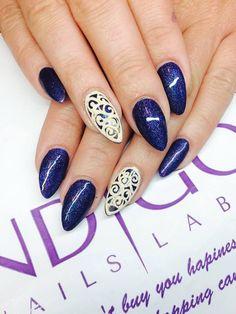 Emilia Maria Find more Inspiration at www.indigo-nails.com #nails #glitter #mani http://www.indigo-nails.compl/gel-polish/1568-indigo-nails-shanghai-glitter-gel-polish-5902188508321.html?utm_content=buffer6d4e9&utm_medium=social&utm_source=pinterest.com&utm_campaign=buffer