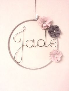 Items similar to Name in wire with dusty gray and pink - flower - door - custom design wall decor sign on Etsy Wire Crafts, Diy And Crafts, Gifts For Boys, Gifts For Friends, Name Decorations, Anniversary Crafts, Baby Shower Invitaciones, Diy Bebe, Gris Rose