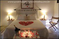 surpresa para namorado Romantic Room Surprise, Romantic Night, Romantic Ideas, Bridal Room Decor, Anniversary Quotes For Husband, Surprise For Girlfriend, Surprises For Her, Love Time, Marriage Goals