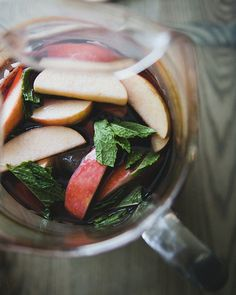 apple mint sangria | the kitchy kitchen.
