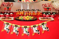 Mickey Mouse themed birthday party via Kara's Party Ideas KarasPartyIdeas.com The Place For All Things Party! #mickeymouse #mickeymouseparty #mickeymousepartyideas (14)