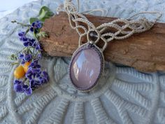 Rose quartz macrame necklaceHandmade Gemstone by Flordemano