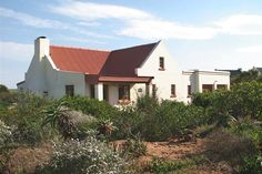 Gone Fishing - This great cottage is located in Boggomsbaai, a quaint beach town near Albertinia. It is the ideal spot for a family holiday away from the city. The cottage has three bedrooms with double beds that are .