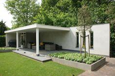 """Clean lines. Solid wall with """"screen"""" openings - consider for either side of carport (especially if carport is to support a """"green roof"""" element). Outdoor Rooms, Outdoor Gardens, Outdoor Living, Modern Pergola, Modern Landscaping, Patio Design, Garden Design, Garden Structures, Outdoor Structures"""