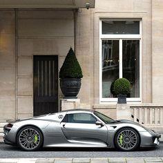 #liquidsilver #porsche #918 - https://www.luxury.guugles.com/liquidsilver-porsche-918-2/