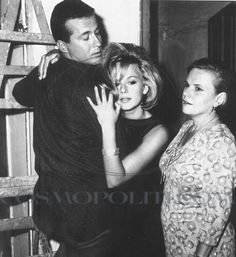 Dimitris Papamichael with Aliki Vougiouklaki and Despo Diamadidou Greece Pictures, Old Pictures, Old Greek, Vintage Images, Athens, Pretty Woman, Beautiful People, Two By Two, To Go