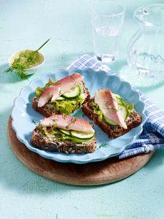 Lecker essen und trotzdem abnehmen? Geht prima mit diesen 17 Low Carb Eiweiß-Rezepten - alle Gerichte unter 400 kcal! Perfekt für jede Diät!