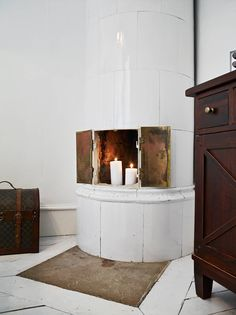 In love with the vintage style fireplace