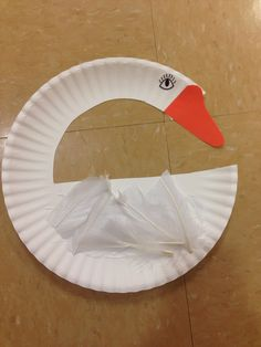 Goose Preschool Christmas, Preschool Crafts, Crafts For Kids, Paper Plate Crafts, Paper Plates, Goose Craft, Alphabet Crafts, Martini, Lesson Plans