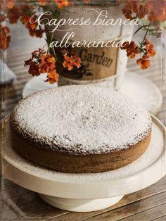 Caprese bianca al profumo di arancia, gluten free per Stefania - La barchetta di carta di zucchero