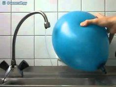 fenómeno curioso del agua y la electricidad estática