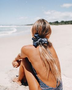 Endless summer Summer fashion Summer vibes Summer pictures Summer photos Summer outfits April 15 2020 at Summer Feeling, Summer Vibes, Beach Bum, Summer Beach, Summer Hair, Beach Look, Beach Hair, The Bikini, Bikini Set