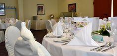 Hochzeit - festliche gedeckter Raum im HKK Hotel - Deko - weiß