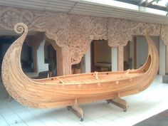 Cool Viking Boat, just wish the link actually went to where this was, or who made it.