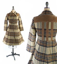 """FREE US SHIP: Vintage Princess Flared Coat // Plaid Wool Fit and Flare Coat // Fitted Winter Coat - sz S/M - 29-30"""" Waist"""
