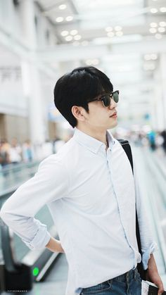 GOT7 Jinyoung || Why does he looks so dad in this photo?