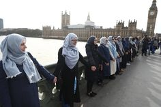 Muslim Women Gather On Westminster Bridge To Condemn Attack | The Huffington Post