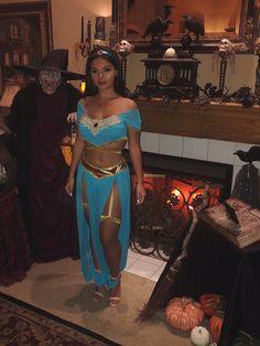 Jasmine Costume Women, Jasmine And Aladdin Costume, Jasmine Halloween Costume, Black Girl Halloween Costume, Princess Jasmine Costume, Popular Halloween Costumes, Couple Halloween Costumes For Adults, Halloween Outfits, Costumes For Women