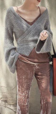 Romoti Tie You like Pagoda Sleeve Irregular Sweater