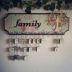 Family birthday's calendar Birthday Calendar Reminder, Birthday Reminder Board, Family Birthday Calendar, Family Birthday Board, Birthday Dates, Family Calendar, Diy Crafts For Gifts, Baby Crafts, Crafts To Make