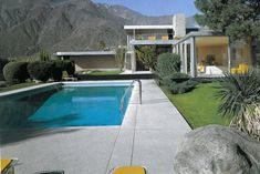 Neutra, Palm Springs...love this pool