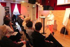 Tina Kaikkonen (Tillväxt Malmö/Uppstart Malmö) föreläser om Kultur som tillväxtbransch.
