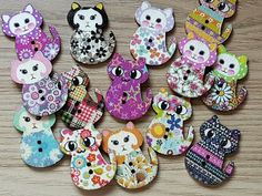 WOODEN GINGERBREAD MAN CRAFT SEWING BUTTONS EMBELLISHMENTS 30MM CHRISTMAS