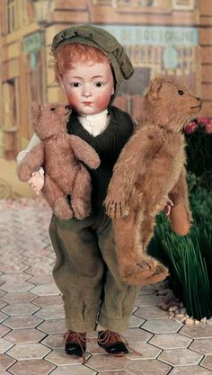 View Catalog Item - Theriault's Antique Doll Auctions - Rare Kestner 212 with two Steiff Teddies Old Teddy Bears, Antique Teddy Bears, Child Doll, Boy Doll, Glass Dolls, Old Dolls, Bisque Doll, Collector Dolls, Antique Toys