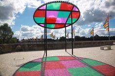kiosque attrape-soleil - structure en composites, oeuvre de Daniel BUREN Daniel Buren, Installation Street Art, Light Games, Canopy Design, Shade Structure, Outdoor Sculpture, Festival Lights, Mirror With Lights, Basel