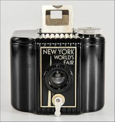 Decopix - The Art Deco Architecture Site - New York World's Fair 1939 Camera. Visit the website for some wonderful photos. Decopix - The Art Deco Architecture Site - New York World's Fair 1939 Camera. Visit the website for some wonderful photos. Antique Cameras, Old Cameras, Vintage Cameras, Spy Camera, Best Camera, Film Camera, Classic Camera, Art Deco Movement, Lomography