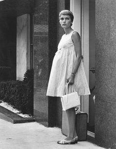 My future maternity fashion inspiration. Mia Farrow in Rosemary's baby. Mia Farrow, Maternity Wear, Maternity Fashion, Maternity Dresses, Maternity Style, Pregnancy Fashion, Maternity Clothing, Rosemaries Baby, Cry Baby