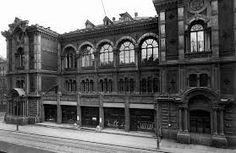 Theodor Höijerin piirtämä VPK:n talo oli kulmittain Ateneumin takana, tontin nykyinen osoite on Keskuskatu 7. Kuva on vuodelta 1924.