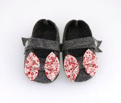 BABY FELT SHOES Girl  Newborn also available  by fromanawithlove, $26.00
