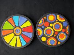 LISTA PRECIOS ARGENTINA                          CUENQUITOS COLORIDOS                       ... Ceramic Plates, Decorative Plates, Mosaic Artwork, Paper Earrings, Mosaic Projects, Pottery Art, Creative Art, Painted Rocks, Wall Decor