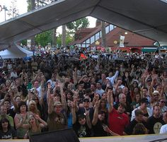 Center Stage for the FREE Lake Arrowhead Summer Concert Series...Yes please!