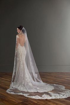 Lace wedding dress with open-back and matching veil - lace-edged veil - Style 1015 by Martina Liana. Love this Martina Liana gown? Learn more about it and where to find it on WeddingWire! veils Wedding Dress out of Martina Liana - 1015 White Camo Wedding Dress, Old Wedding Dresses, Wedding Dress With Veil, Wedding Dress Pictures, Bridal Dresses, Wedding Gowns, Long Wedding Veils, Camouflage Wedding, Cowgirl Wedding