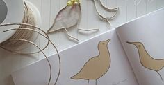 Ideas and Inspirations: DIY: Hauchschöne Papierwesen * upcycling paper art Wire Crafts, Easy Crafts, Diy And Crafts, Arts And Crafts, Diy Paper, Paper Art, Paper Crafts, Art Du Fil, Wire Art