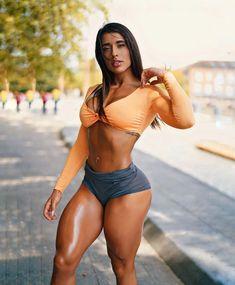 Fit Women, Sexy Women, Muscle Girls, Sexy Curves, Athletic Women, Sensual, Sexy Body, Gorgeous Women, Beautiful Beach