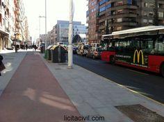 Detalle Carril Bici en el tramo Méndez Núñez - Rio Genil, Camino de Ronda. Metro Granada.