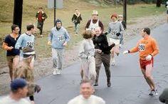 """KATHRINE SWITZER 1967an """"KV Switzer"""" eman zuen izena Bostoneko maratoian. """"KATHRINE SWITZER - JABIER MUGURUZA""""  https://youtu.be/hvh5x-349pg"""
